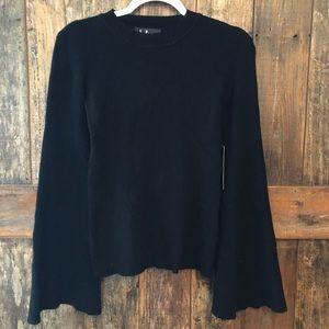 Lulu's, M, NWT, Classic Black Bell Sleeve Sweater